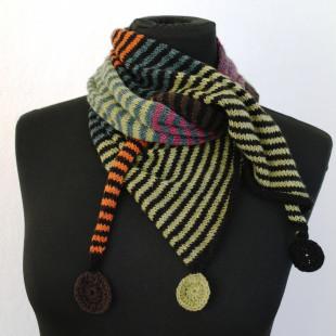 Stribet tørklæde med cirkler grøn